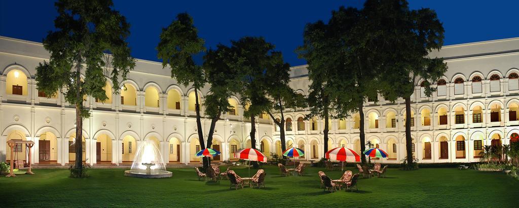 honeymoon packages in Agra