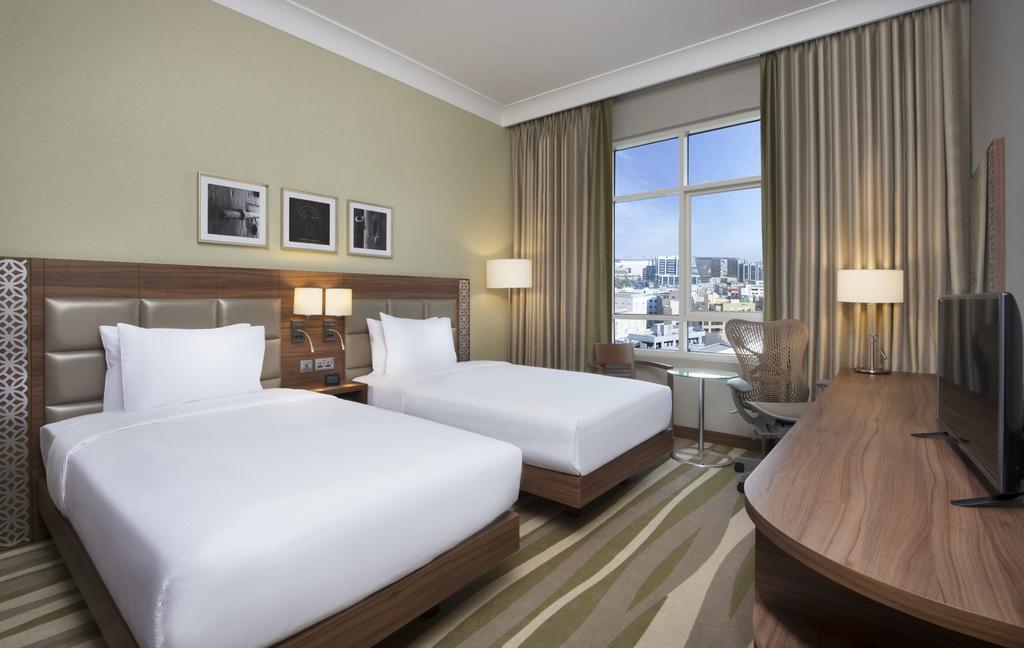 Chis dubai hotels hilton garden inn dubai al muraqabat - Hilton garden inn dubai al muraqabat ...