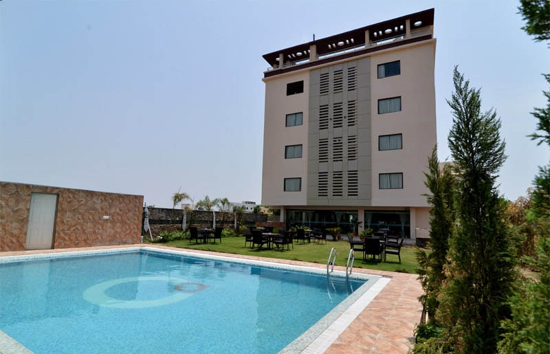Country holidays Inn and suites in Udaipur